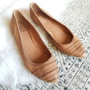 Lucky Brand Embroidered Leather Tan Flats 8
